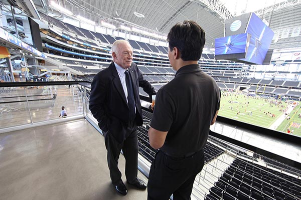 Stephen interviewing Dallas Cowboys owner, Jerry Jones